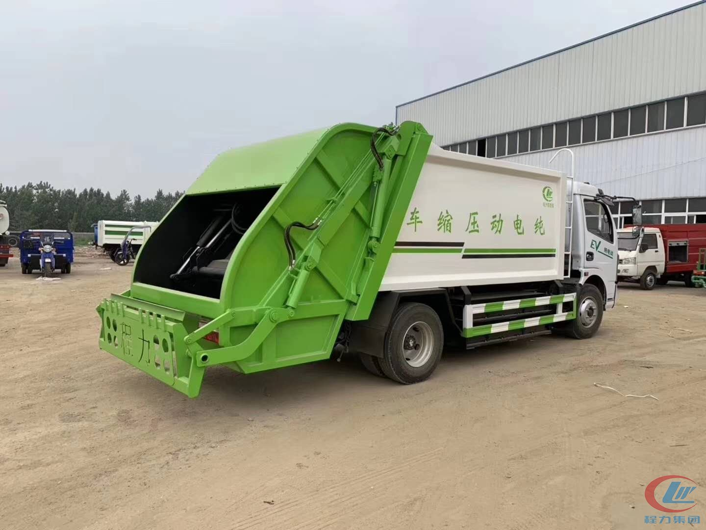 8  cbm  compressed garbage truck