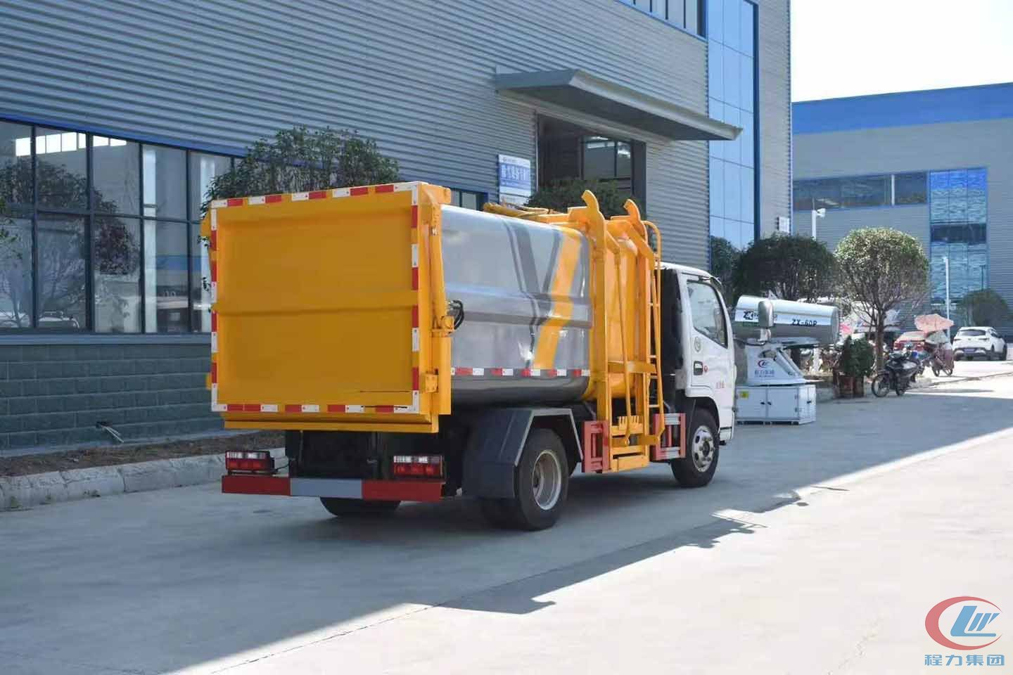 Dongfeng compressed garbage truck